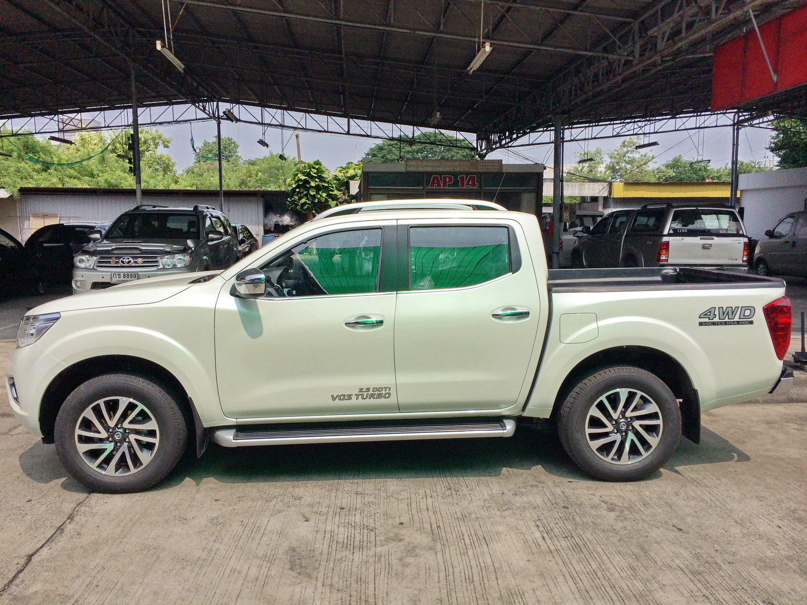 2017 2018 nissan navara np300 4x4 thailand exporter parts. Black Bedroom Furniture Sets. Home Design Ideas